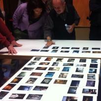 José Manuel Navia editando las copias de trabajo de su nuevo libro Nóstos.