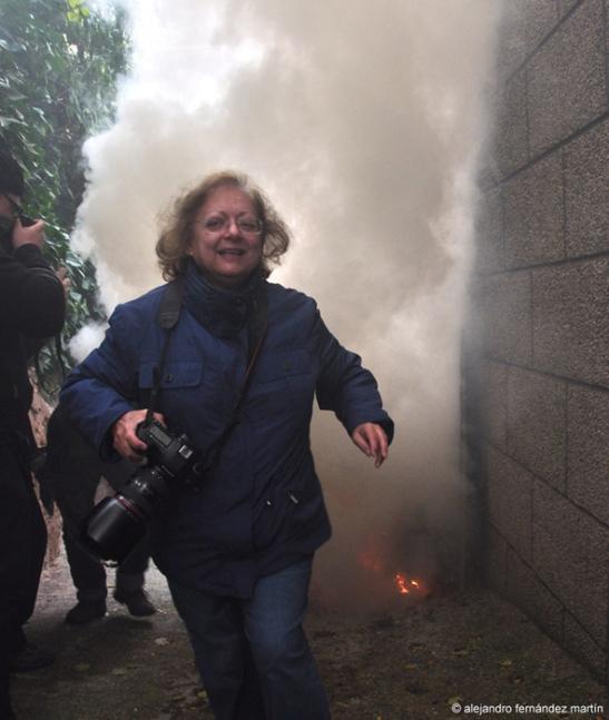 Cristina García Rodero durante la procesión del humo de San Andrés, nov 2012.